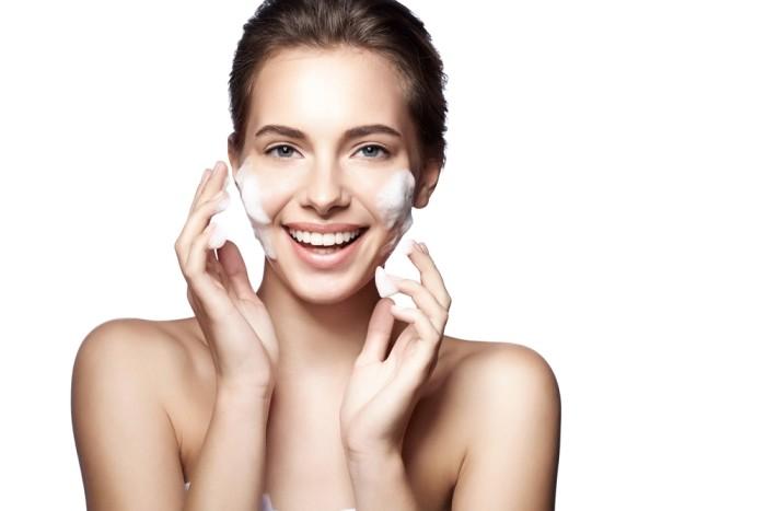 8 sfaturi usoare pentru a avea o piele naturala frumoasa